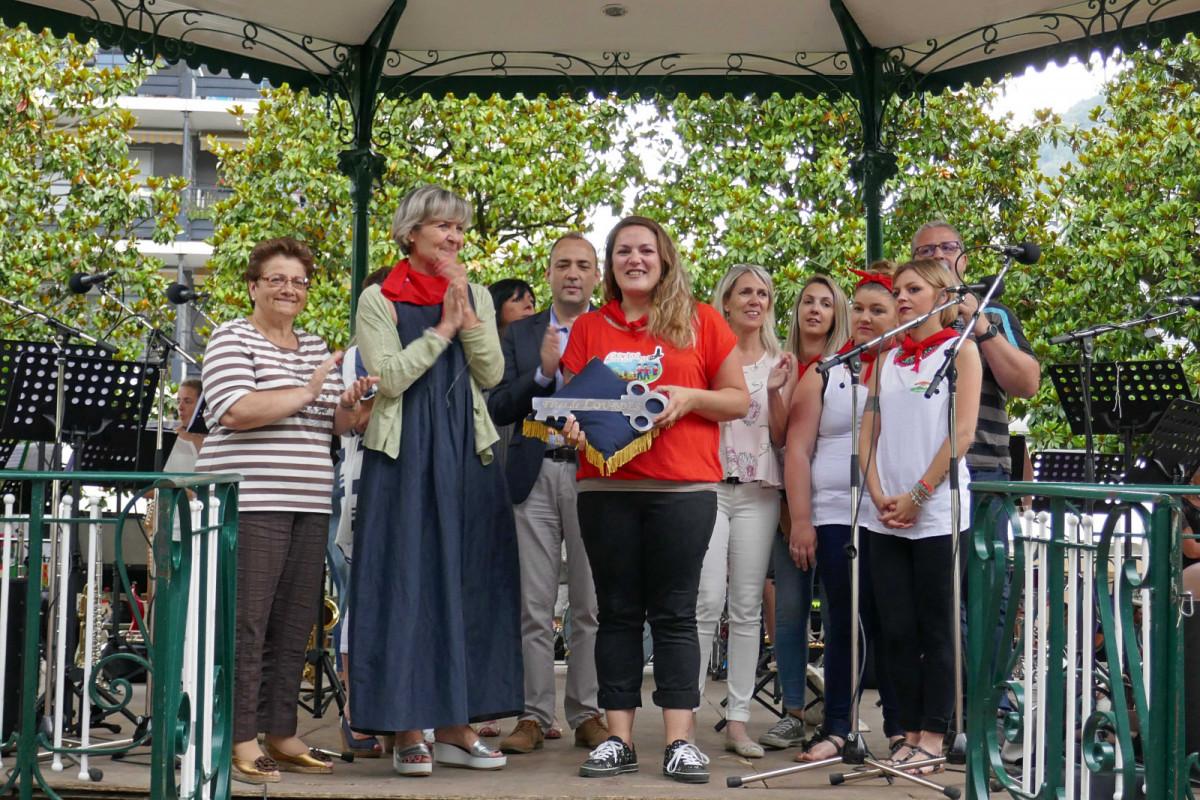 Remise des clefs de la ville de Lourdes par Madame le Maire au Comité des Fêtes