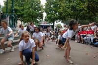Chants et danses par les élèves et animateurs des temps d'activités périscolaires de l'école d'Honoré Auzon et des pensionnaires de la Pastourelle