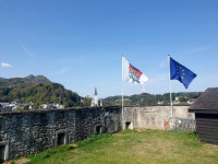 drapeaux-chateau-lice