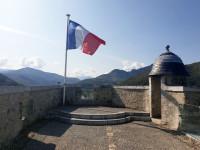 drapeaux-chateau-pointe-cavalier